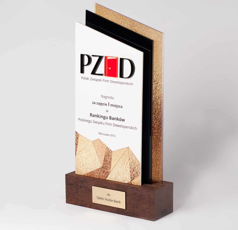 Statuetka I miejsce w Rankingu Banków Polskiego Związku Firm Deweloperskich