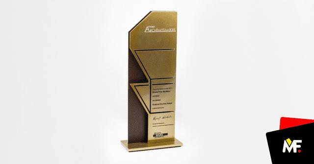 Statuetka metalowa, złoty kolor, dla laureatów Plebiscytu Polskiej Architektury XXL 2017