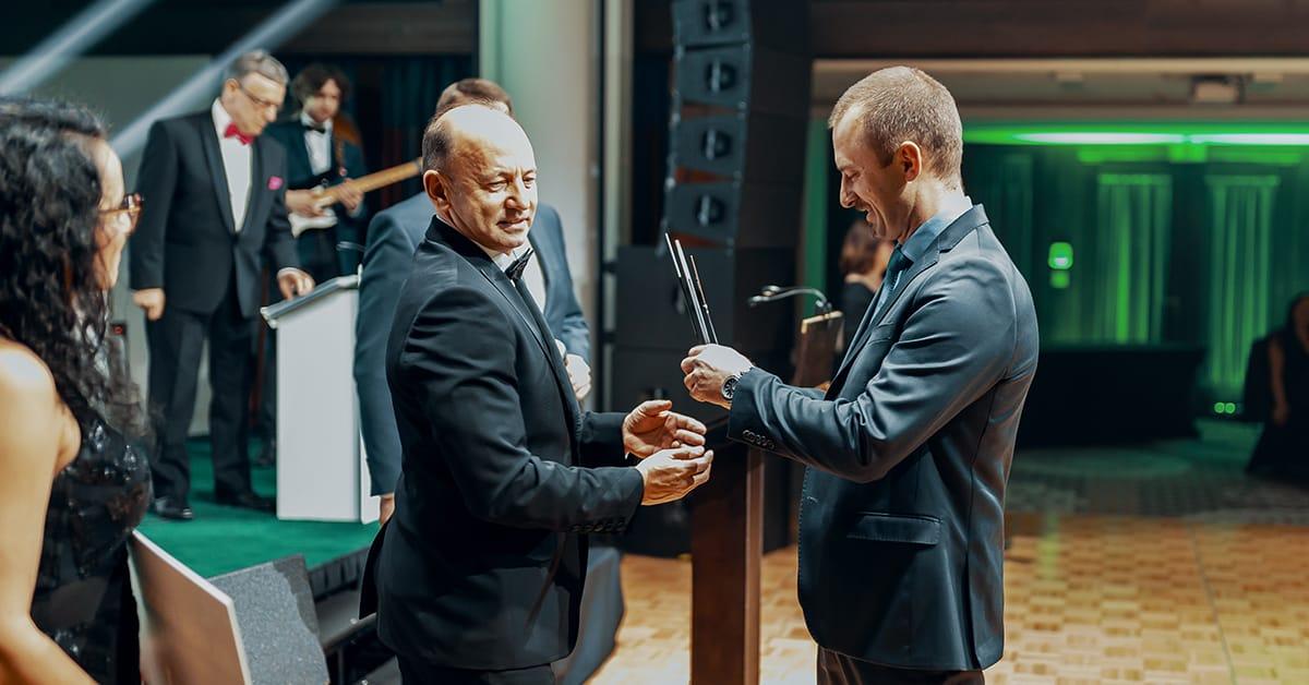 Wręczenie statuetki biznesowej 20-lecie Dakar-Toyota Rzeszów