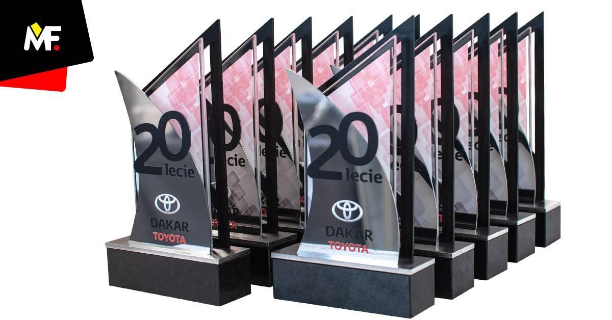 Statuetki biznesowe 20 lat Toyota Dakar